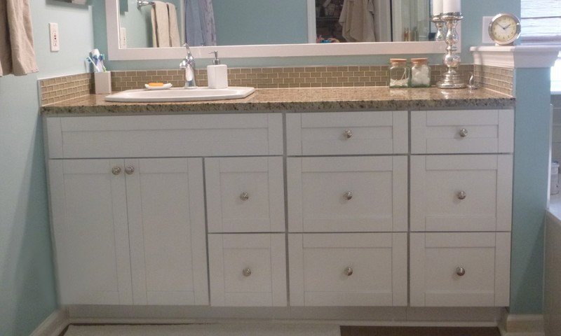 White Shaker Vanity With Drawer Banks